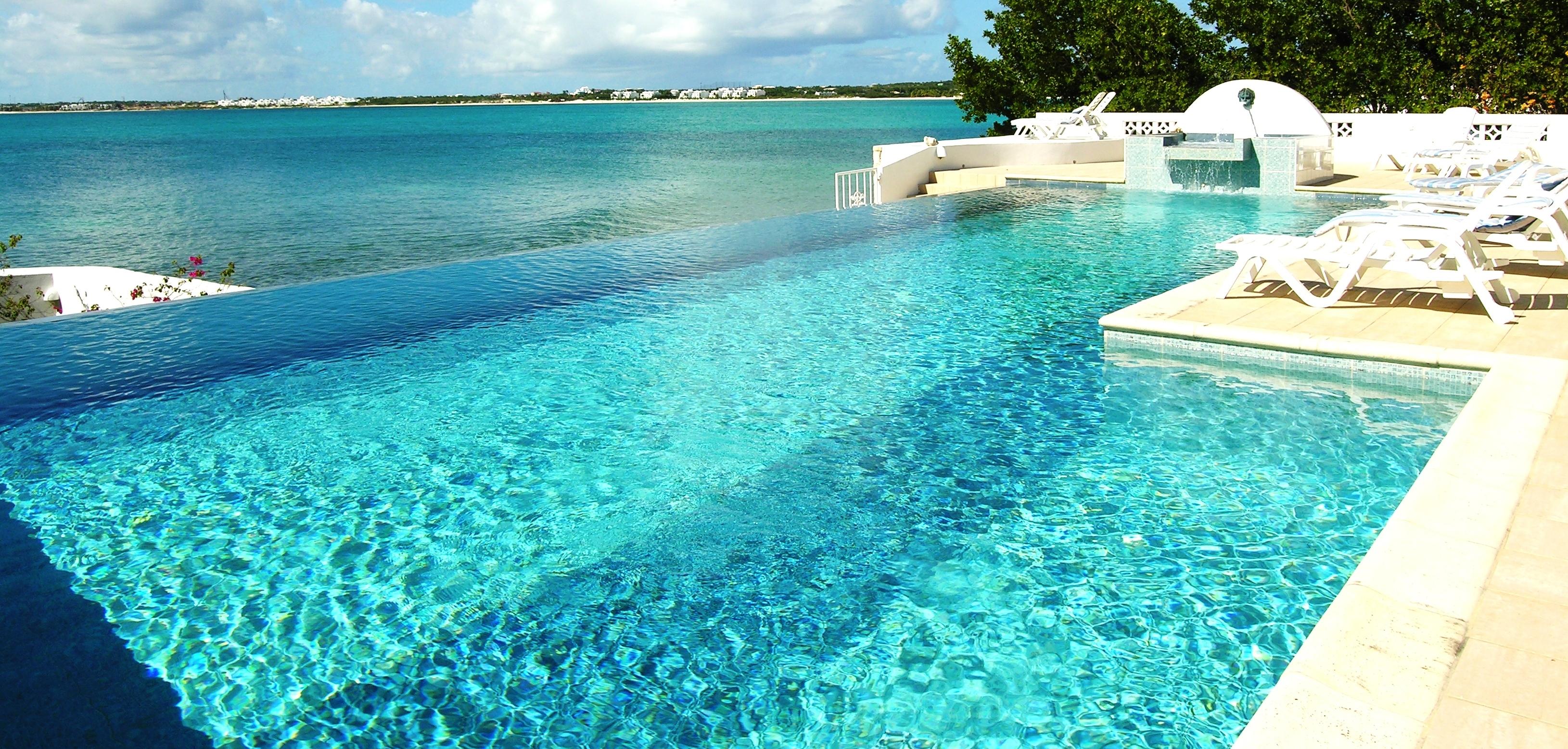 Sarasvati Villa infinity pool looking West